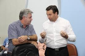 imagem: José Aldinam Mainardes teria procurado o deputado Marcio Pauliki (PDT), para falar sobre as disputas eleitorais e a sua intenção de ser o vice de alguém.