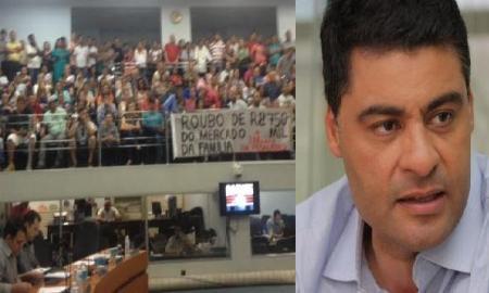 Com 12 votos favoráveis e 11 contrários estaria aberta a Comissão Parlamentar Processante contra Marcelo Rangel (PPS), mas uma manobra política derrubou a votação.