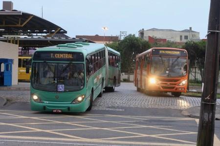 Tarifa do transporte de Ponta Grossa pode subir de R$ 3,20 para R$ 3,76. (foto: José Tramontin/Periódico)