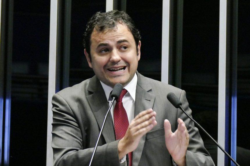 1920px-Plenário_do_Congresso_36086896480-1024x683