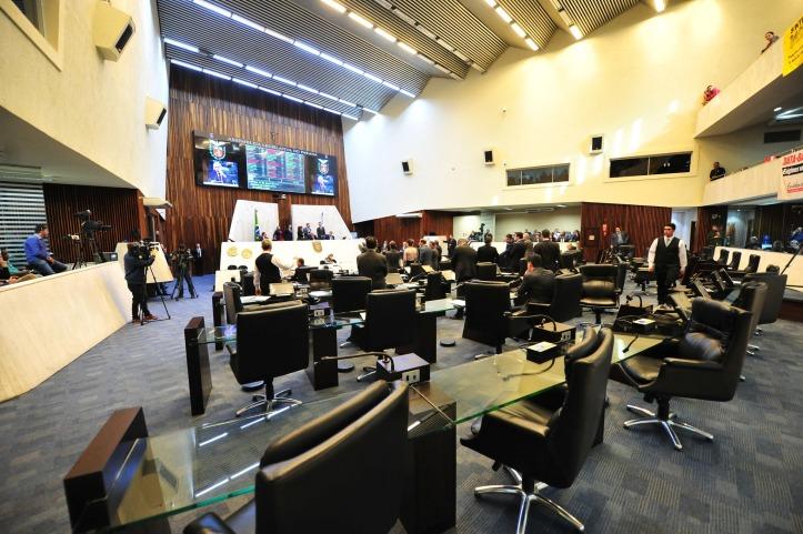 assembleia_5b43cd130ea82