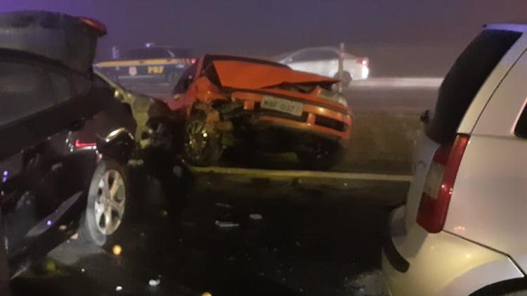 03ago2020---um-acidente-com-mais-de-20-veiculos-deixou-ao-menos-8-mortos-e-dezenas-de-feridos-na-br-277-em-sao-jose-dos-pinhais-pr-na-noite-de-domingo2-segundo-os-bombeiros-os-motoristas-teriam-1596452468030_